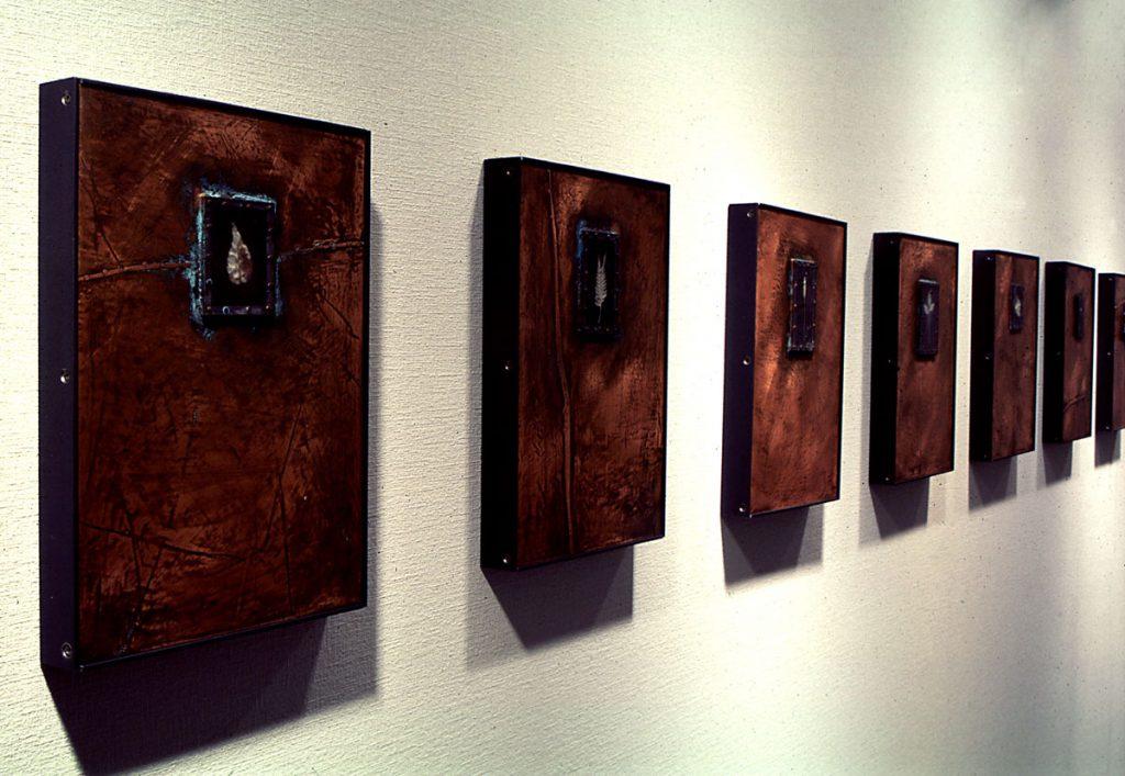 現代美術アーティスト・山本基が植物をモチーフに描いたドローイングやコラージュ作品。