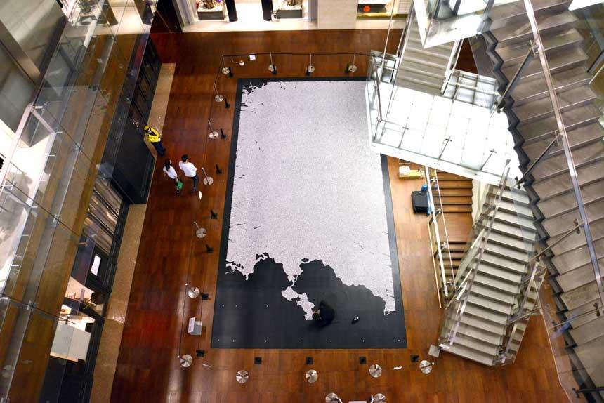 現代美術アーティスト・山本基が「六本木アートナイト2016」に参加。六本木ヒルズで塩のインスタレーションを公開制作。
